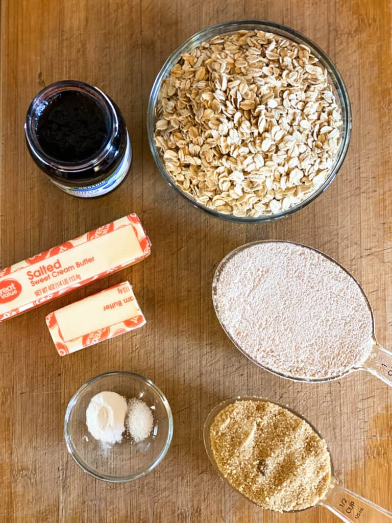 Blueberry cereal bar ingredients.