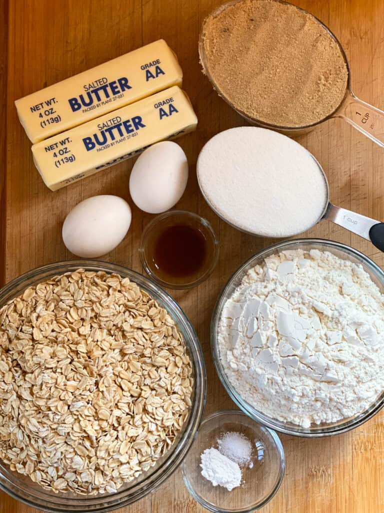Strawberry rhubarb bars base and topping ingredients.