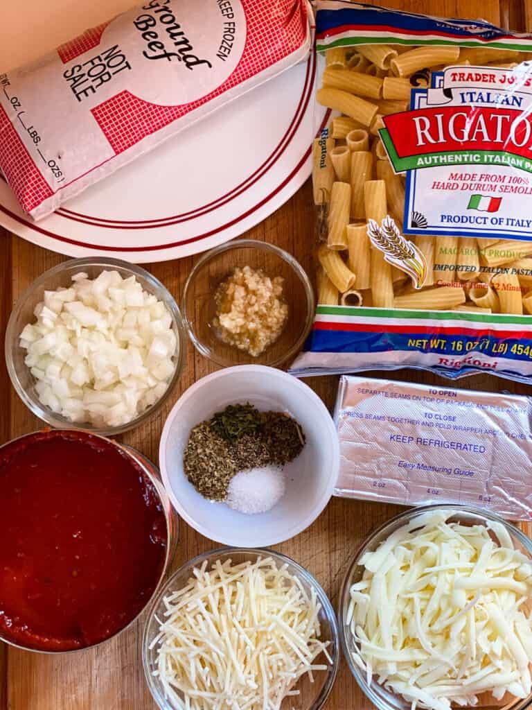 Baked rigatoni casserole ingredients.
