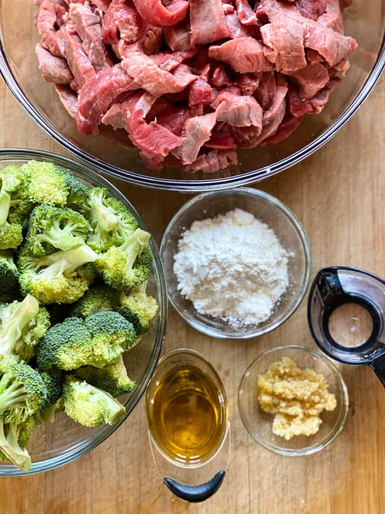 Beef and broccoli ingredients.