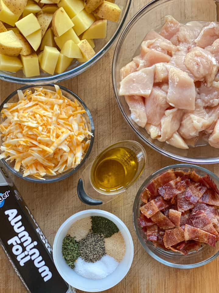 Chicken bacon ranch foil packets recipe ingredients.