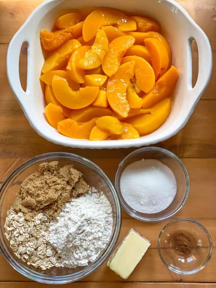 Easy peach crisp ingredients.