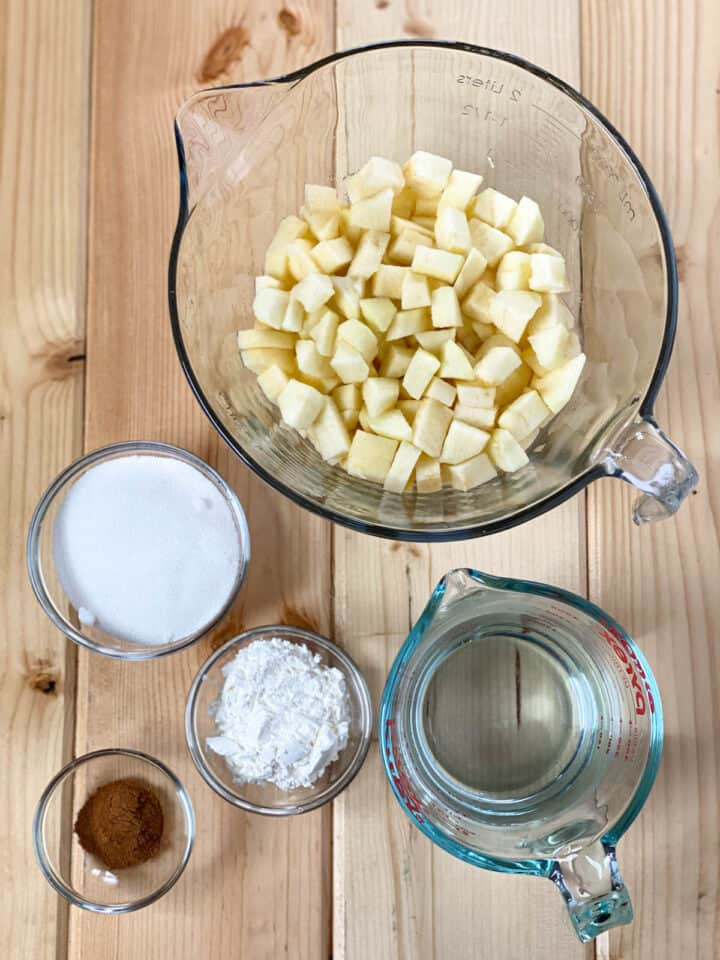 Apple crisp pie filling ingredients.
