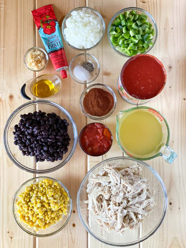 Easy chicken taco soup ingredients.